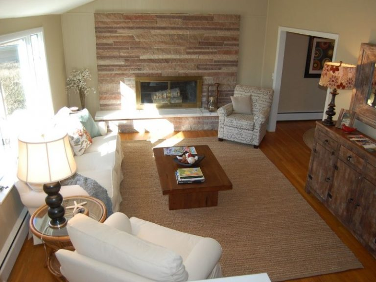 Hyannis Living room